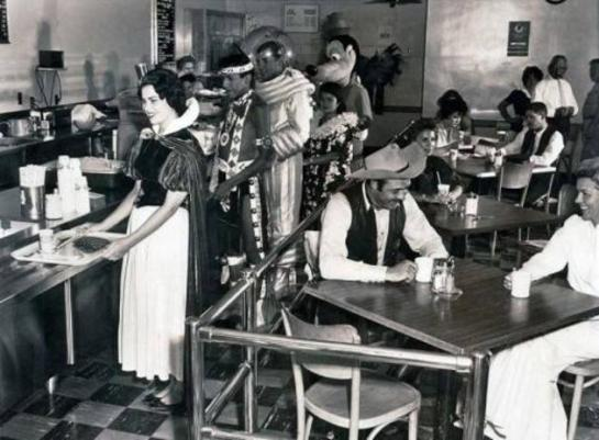 historical-photos-pt3-disney-cafeteria